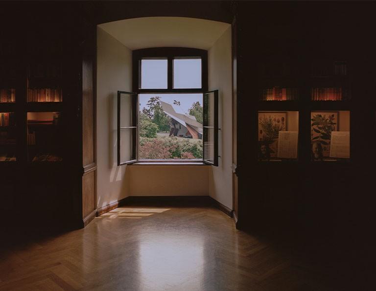 Bestellen Sie unsere Grafenegg-Decken, unseren Schloss- und Parkführer sowie Bücher online!