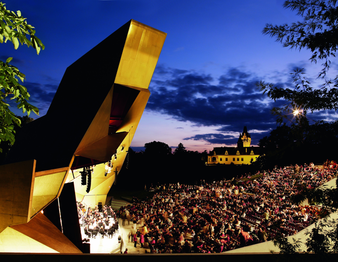 The Grafenegg Festival in Lower Austria is one of the most important orchestra festivals in Europe. Music, nature and architecture merge to a grand work of art.