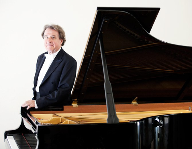 Pianist Rudolf Buchbinder is the Artistic Director of the Grafenegg Music Festival and the Summer Concerts.