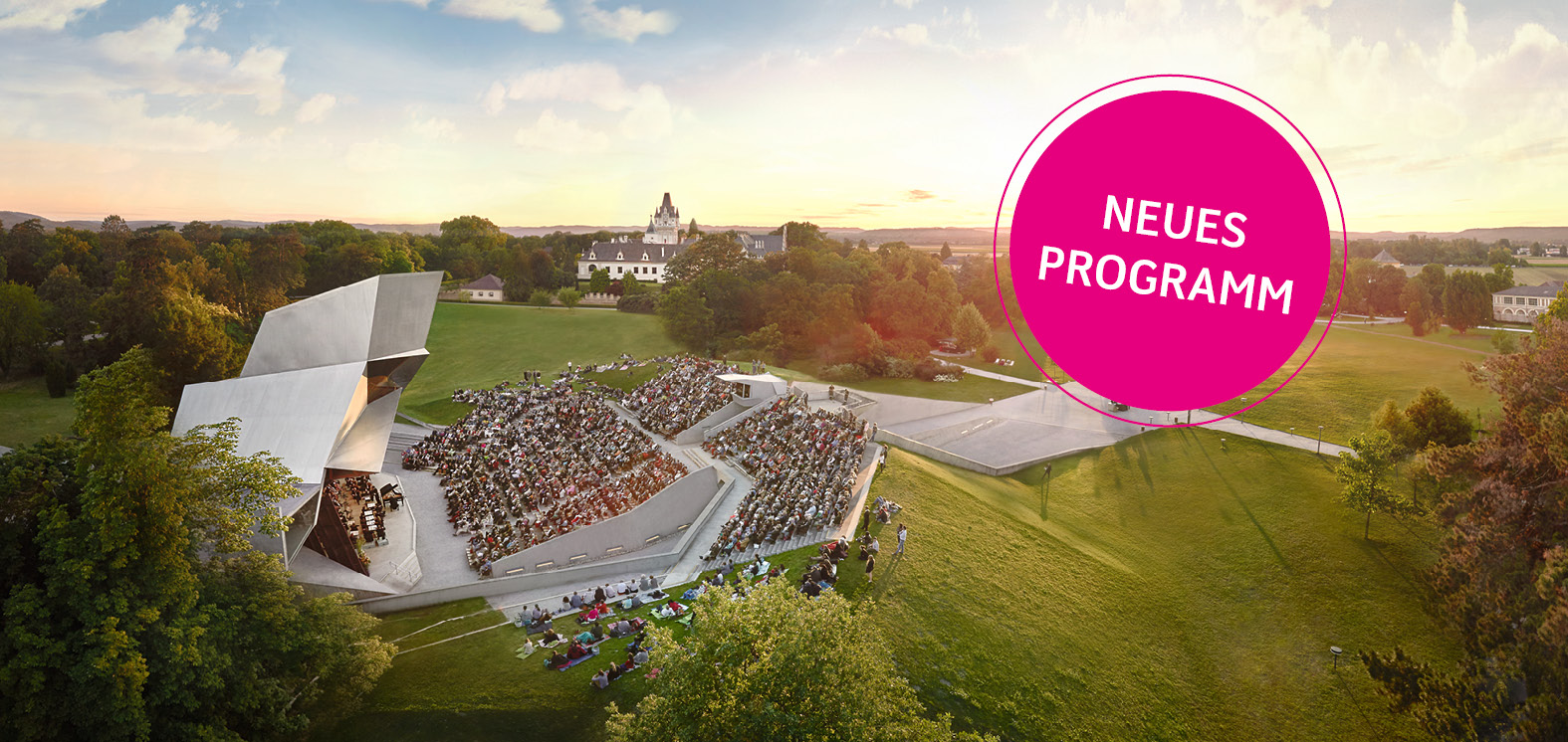 The Grafenegg Festival will take place from 14 August - 6 September 2020 under special protective measures and with an adapted program. Here you can get an overview of the new programme.