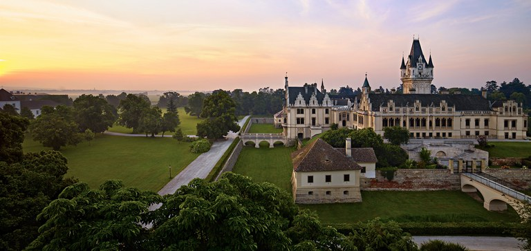 Explore Grafenegg, our cuisine and culture – check our historical facts and recommendations before your visit to this romantic beauty.